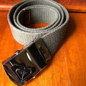 Roxy belt